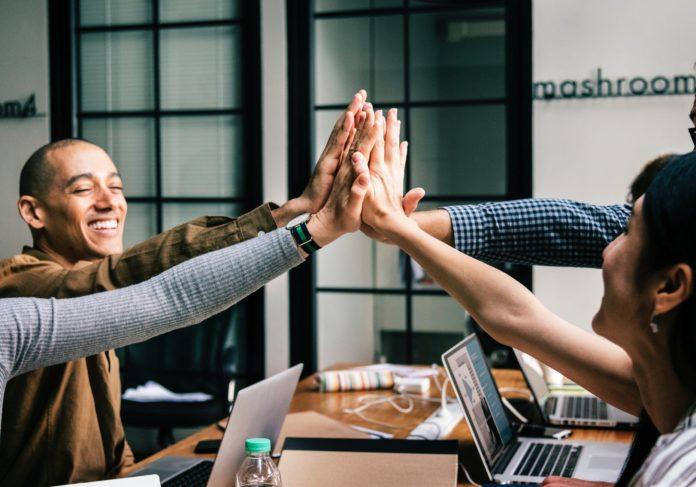 kako unaprijediti odnose na poslu
