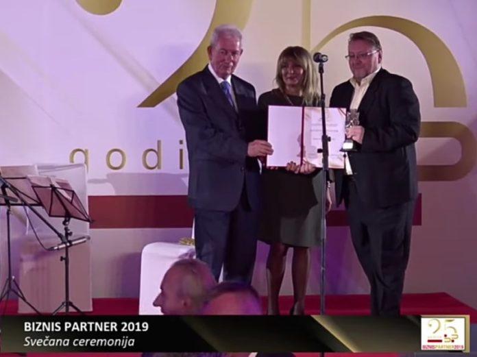 poslovniFM_nagrada_INOVATIVE_MEDIA_PARTNER